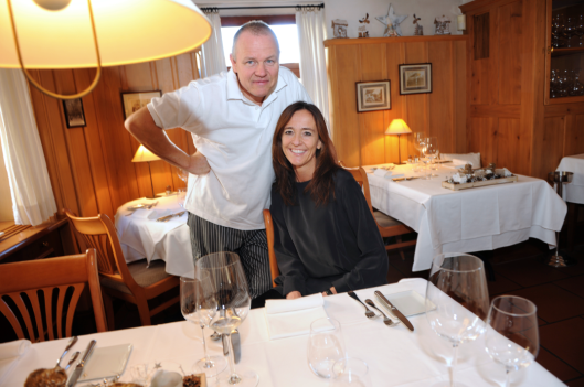 Die «Säge» wird zum «Schlüssel»: Sandra Marugg Suter und ihr Mann Felix Suter wirten ab Mai 2014 im ehemaligen «Viva!» in Oberwil. (Foto: Pino Covino)