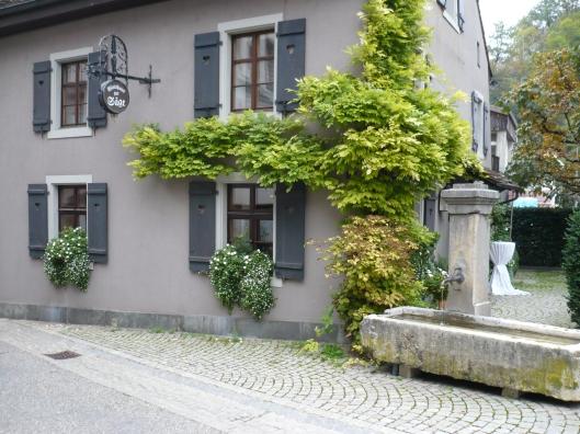Noch bis Mitte April offen: Das Wirtshaus zur Säge in Flüh.
